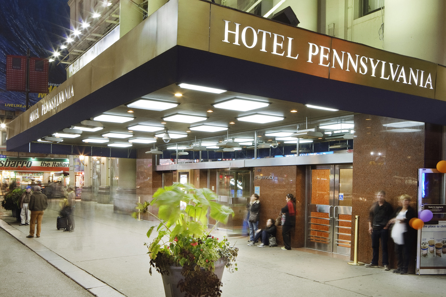Hotel Pennsylvania Sports Special Options For Pooches New York City Dog Part 1